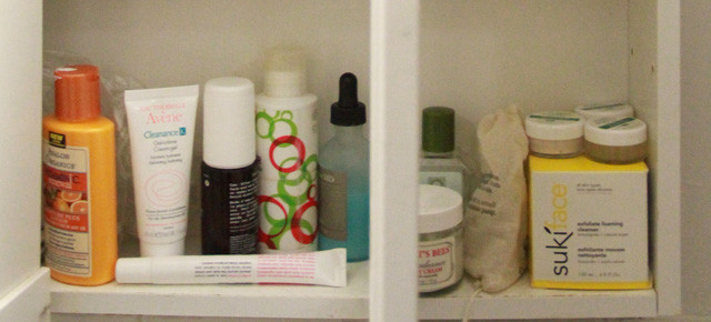 Snoop in My Medicine Cabinet: A Natural and Non-toxic Primer