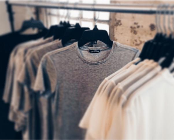 T-Shirt Row Uniform