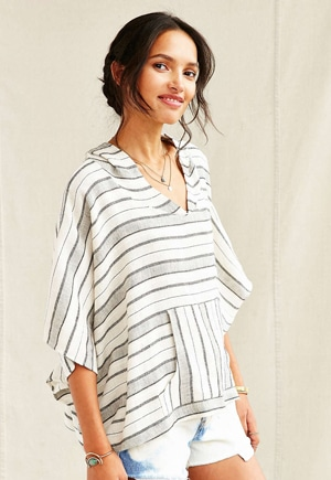 Beach poncho // eco-friendly beach essentials