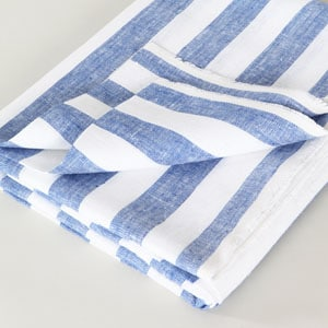 Super absorbent linen beach towel // eco-friendly beach essentials