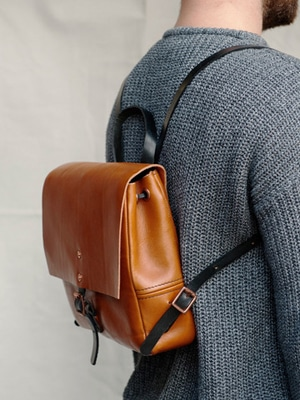 Vegetable tanned leather backpack // handmade in England // Alfie Douglas