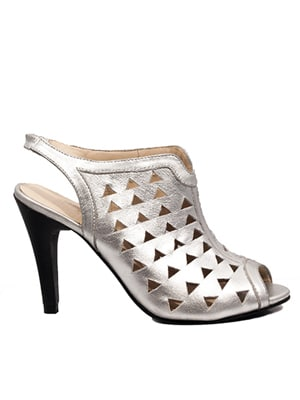 Fortress of Inca silver heels