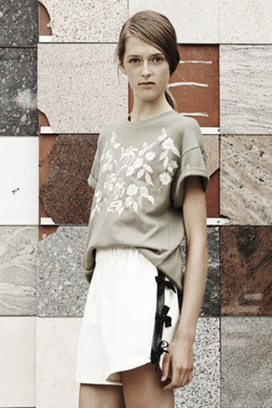 Litke embroidered tee | organic and perfect for pairing with a high-waisted skirt!