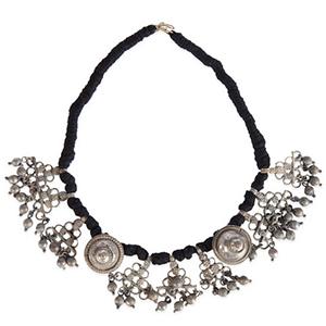 Non-exploitative festival fashion // Necklace handcrafted in India