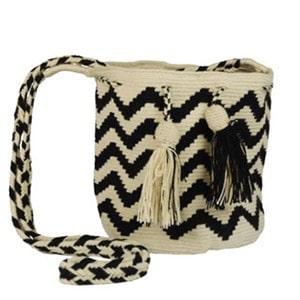 Non-exploitative festival fashion // Wayuu bag made by Colombian artisans