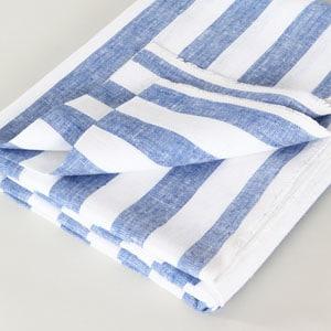 Super absorbent linen beach towel // eco-friendly beach essentials