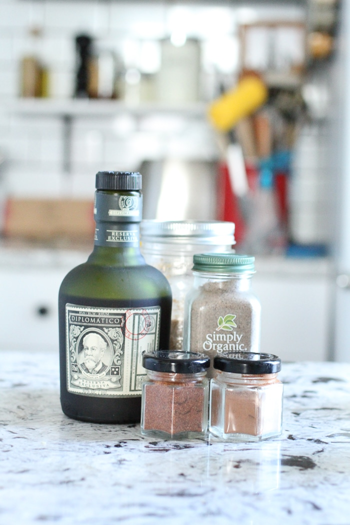 3 Fall Rum Cocktails // Hot Buttered Rum (Make the ingredients ahead of time for easy preparation. Keeps for 2 weeks!)