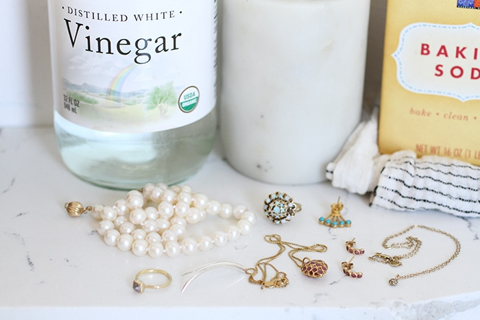 10 Eco Friendly And Non Toxic Tips For Cleaning Your Jewelry Ecocult