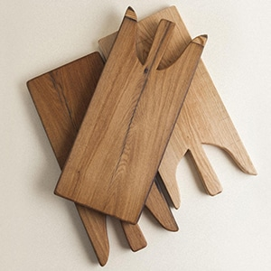 This cutting board is produced by master carpenters from Umbria, using reclaimed materials found in centuries-old estates, farms and churches.