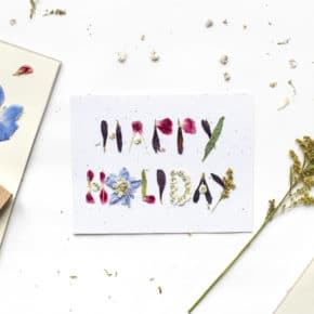 How To DIY Your Own Beautiful Holiday Cards